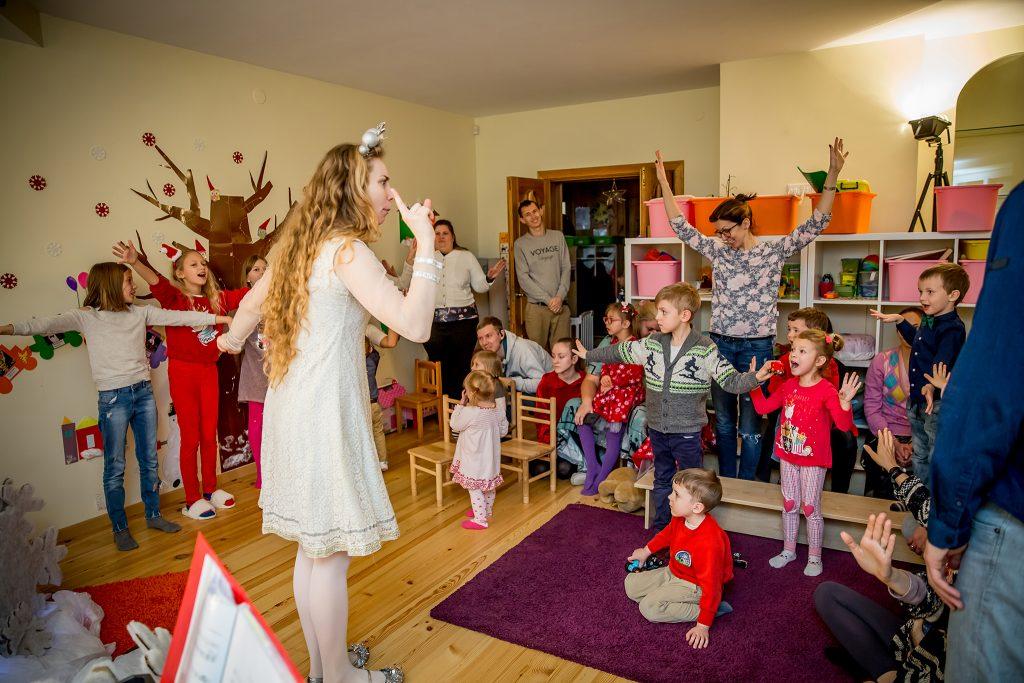 Kalėdinis spektaklis miuziklas vaikams - Stebuklingos Senelio rogės