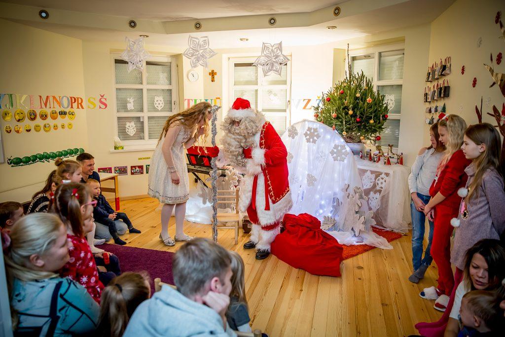 Kalėdinis miuziklas vaikams ir visai šeimai. GyviTeatre - muzikinis teatras, teatras vaikams, spektakliai vaikams, interaktyvus miuziklas, Stebuklingos Senelio rogės.