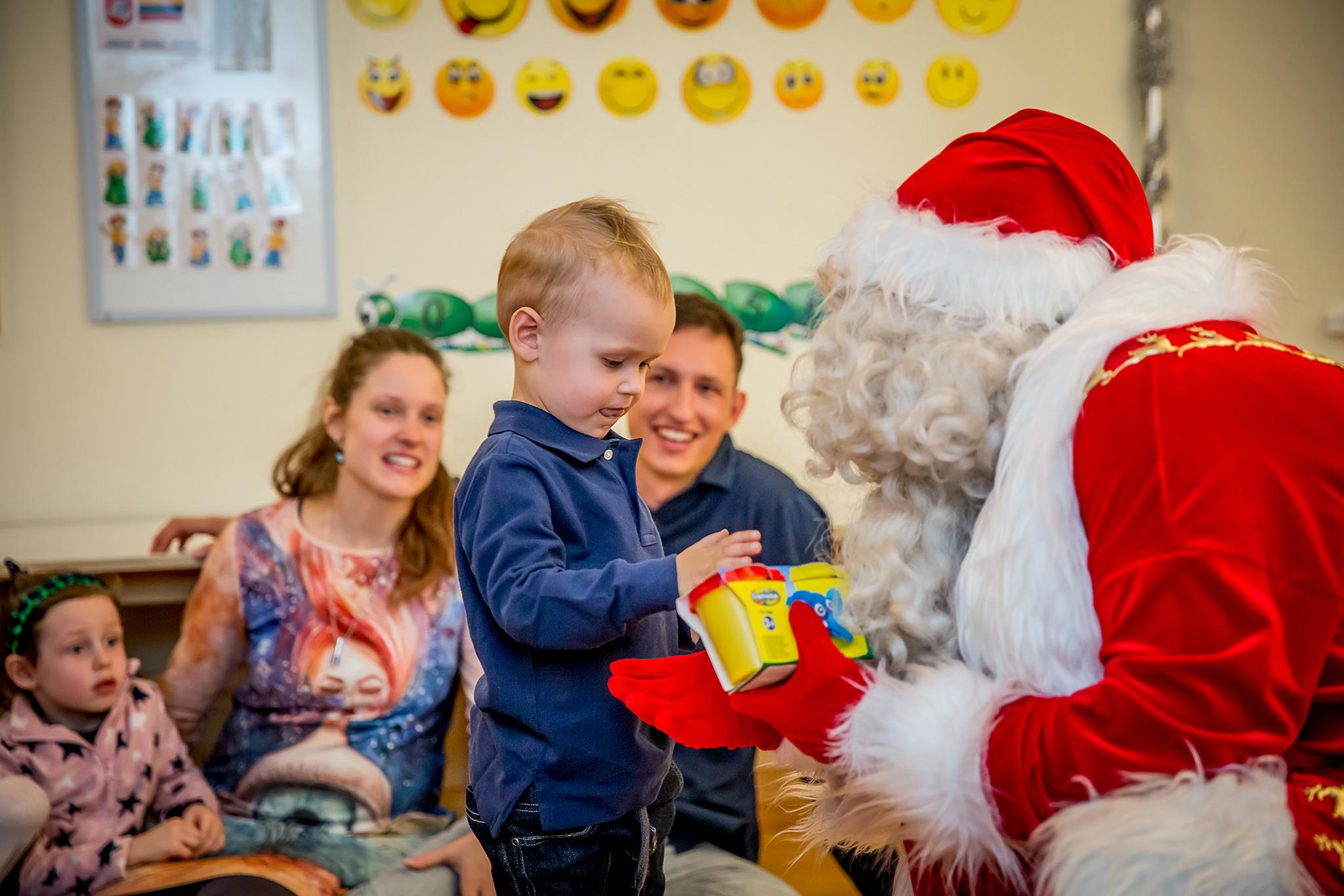 Kalėdinis spektaklis vaikams, visai šeimai. GyviTeatre - muzikinis teatras, teatras vaikams, spektakliai vaikams, interaktyvus miuziklas, miuziklas.