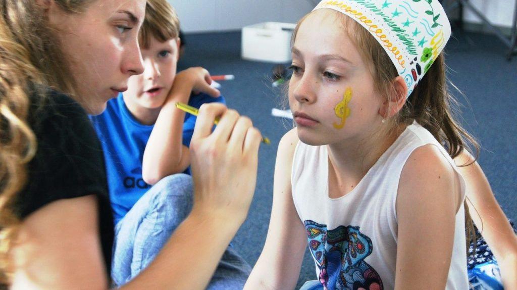 GyviTeatre: galerija, muzikinis teatras, teatras vaikams, teatras, spektakliai vaikams, spektakliai, teatras vaikams, kurybiskumo sotvykla vaikams.